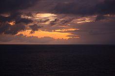 http://www.viajesyturismoaldia.com/2013/04/21/manta-el-lugar-para-los-amantes-del-surf-y-del-kitesurf/ San Pablo de Manta, o simplemente Manta, es una ciudad de la costa central de Ecuador, llena de opciones para entretenerse y disfrutar de la vida nocturna, además de experimentar la emoción de varios deportes que se practican en sus hermosas playas