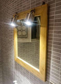 Specchio da bagno con faretti / barattolo