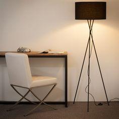 Lámpara de pie con trípode de metal y algodón negro Al. 154 cm CARLA