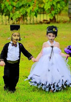 Wouldn't they be absolutely adorable for a ring bearer and flower girl at a halloween wedding?