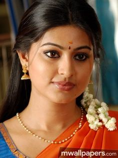 Sneha Prasanna Beautiful HD Photoshoot Stills Beautiful Girl Indian, Most Beautiful Indian Actress, Beautiful Girl Image, Beautiful Actresses, Beautiful Saree, Beautiful Women, South Indian Actress Hot, Indian Film Actress, Indian Actresses