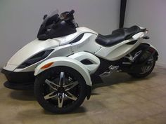 CanAm Spyder. Thought about getting one of these until I got my motorcycle license on a two wheeled bike and changed my mind.