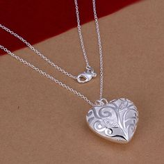 Fashion Cute  Silver Plated Peach Heart Shaped Pendant Necklaces