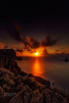 Contemplando la puesta de sol #cantabria #Spain