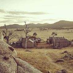 Ghost town in the Wild Wild West ☆Baby Galactiq☆ town of dungatar in Australia. Fallout New Vegas, Fallout 3, Westerns, Man In Black, Lone Wanderer, The Adventure Zone, My Demons, Red Dead Redemption, Le Far West