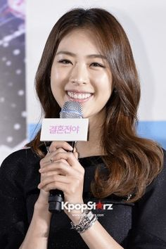 Lee Yeon Hee | Movie 'Marriage Blue' Press Conference - Oct 22, 2013 [PHOTOS] More: http://www.kpopstarz.com/articles/46794/20131025/lee-yeon-hee-press-conference-photoslide.htm