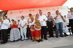 En el parque temático Takilhsukut, el gobernante veracruzano se mostró orgulloso de la identidad de los hombres y mujeres del Totonacapan.