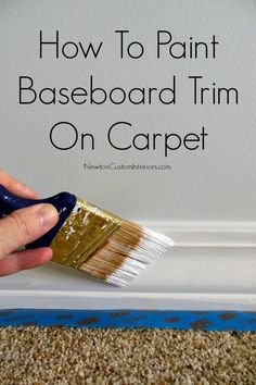 How To Paint Baseboard Trim On Carpet. A great tip for how to avoid the carpet and get trim painted. trim painting - Diy for Home Decor Home Improvement Projects, Home Projects, Home Renovation, Home Remodeling, Kitchen Renovations, Painting Baseboards, Baseboard Trim, Decoration Inspiration, Paint Stain
