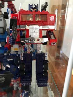 Original G1 Optimus Prime (1985) purchased in Australia October 2016.