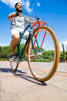 Bicicleta Urbana Maré, estilo retrô / vintage, marca Art Trike, verde agua, masculina, design diferente, verde escuro, bagageiro dianteiro