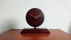 Bekijk dit items in mijn Etsy shop https://www.etsy.com/nl/listing/553496437/midcentury-teak-mehne-table-clock-mid