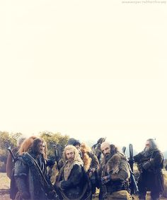 Just look at Dori and Bifur. JUST LOOK! *laughs uncrontrolably and abruptly feels BoFA feels...sobbing*