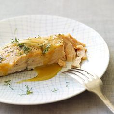 Honey-Mustard Roasted Salmon courtesy of Weight Watchers. Definitely a yummy and healthy way to eat salmon. Skinny Recipes, Ww Recipes, Salmon Recipes, Fish Recipes, Seafood Recipes, Cooking Recipes, Healthy Recipes, Delicious Recipes, Weight Watchers Salmon