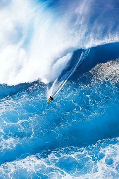 Giant Blue Breaker, North Shore, Oahu, Hawaii