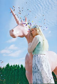 pose with a unicorn!
