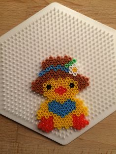 Easter chick hama perler beads by Julie Loose Perler Bead Designs, Hama Beads Design, Fuse Bead Patterns, Perler Patterns, Beading Patterns, Perler Beads, Fuse Beads, Hama Beads Animals, Beaded Animals