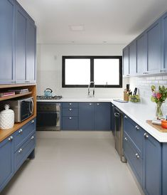 Kitchen colors: 70 contagious ideas for coloring space, Kitchen colors: 70 contagious ideas for coloring space. Blue Kitchen Designs, Kitchen Room Design, Kitchen Colors, Home Decor Kitchen, Kitchen Furniture, Space Kitchen, Small Apartment Interior, Modern Kitchen Interiors, Teen Room Decor