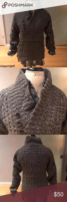Cozy Armani Exchange Sweater with buttons Never worn Armani exchange gray cable knit sweater A/X Armani Exchange Sweaters