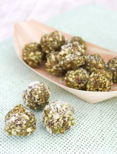 Gesunde Energyballs mit Matcha, Cashewkernen und Feigen - Gaumenfreundin.de Foodblog
