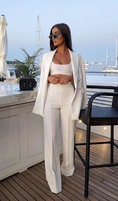 Source by trends 2020 spring summer casual Elegantes Business Outfit, Elegantes Outfit, Mode Outfits, Fall Outfits, Fashion Outfits, Prom Outfits, Prom Party Dresses, Wedding Dresses, Fashion Tips