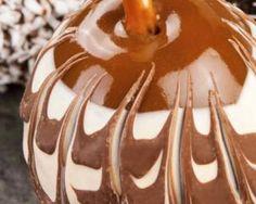 Pommes d'amour maléfiques pour Halloween : http://www.fourchette-et-bikini.fr/recettes/recettes-minceur/pommes-damour-malefiques-pour-halloween.html