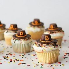 Thanksgiving Cupcakes Ideas and Thanksgiving Cakes Ideas 2015 Thanksgiving Cupcakes, Thanksgiving Snacks, Turkey Cupcakes, Thanksgiving Prayer, Thanksgiving Centerpieces, Thanksgiving Outfit, Happy Thanksgiving, Fall Treats, Holiday Treats