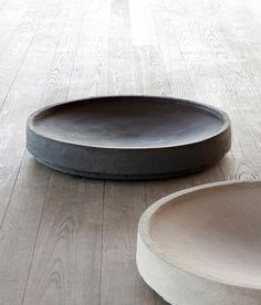Clay planters of Atelier Vierkant, family-run-affair, showroom in San Francisco, factory in Belgium. Ceramic Tableware, Ceramic Bowls, Ceramic Pottery, Ceramic Art, Stoneware, Kitchenware, Wooden Bowls, Beton Design, Sculptures Céramiques