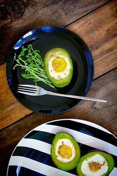 baked avo cups