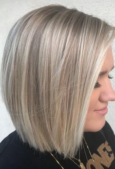 35 Short Straight Hairstyles Trending Right Now in 2019 - Style My Hairs Fall Blonde Hair, Platinum Blonde Hair, Medium Hair Styles, Short Hair Styles, Short Straight Hair, Hair Highlights, Blonde Highlights Short Hair, Great Hair, Balayage Hair