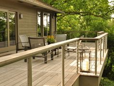 Amazing chalet design to your winter chalet. Chalet Design, Stainless Steel Cable Railing, Wood Handrail, Balkon Design, Balcony Deck, Outdoor Spaces, Outdoor Decor, Deck Railings, Diy Pergola