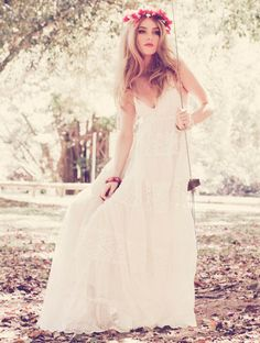 Romantic wedding dress...Nice and flowing also good for a beach wedding...I will find the one for that special day.  May find the dress before the man lol