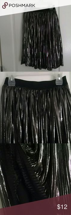 Girls fashion statement skirt Black and metallic knee length skirt with black stretchy waist band  no damage ,pre owned art class Bottoms Skirts