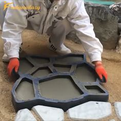 💥💥Path Floor Mould is a paving mold used to make a cement (or red mud) garden path. # DIY Home Decor videos Mintiml Path Floor Mould Backyard Projects, Outdoor Projects, Backyard Patio, Garden Projects, Backyard Landscaping, Diy Projects, Backyard Fireplace, Jardin Decor, Floor Molding
