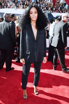 Our Guide To All The Standout MTV Video Music Awards Looks via @WhoWhatWear