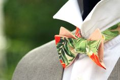 Excited to share the latest addition to my shop: Mens bow tie Tropical Floral Mens Bow Tie Wedding Bow Ties Beach wedding Groomsmen gift Gift for men Wedding Gifts For Groomsmen, Groomsman Gifts, Bridesmaid Gifts, Bow Tie Wedding, Wedding Bells, Wedding Dress, Unique Wedding Cakes, Unique Weddings