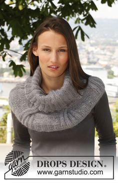 """Tour de cou/chauffe épaules DROPS avec torsades, tricoté en double """"Kid‑Silk"""". ~ DROPS Design"""