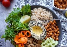 Vegán receptek - reggelik, ebédek, vacsorák, desszertek | Prove.hu Black Eyed Peas, Granola, Buddha, Grains, Rice, Vegan, Chicken, Ethnic Recipes, Food