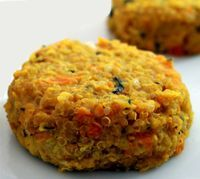 Lentil and carrot burgers - The lentil and carrot burgers represent a healthy option to enter a low-calorie diet and eliminate - Raw Food Recipes, Vegetable Recipes, Low Carb Recipes, Vegetarian Recipes, Cooking Recipes, Healthy Recipes, Good Food, Yummy Food, Salty Foods