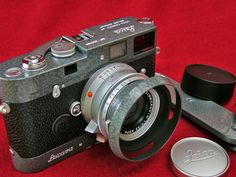 Carl Merkin delves into the world of the rare and collectable LHSA -The International Leica Society special edition cameras: http://blog.leica-camera.com/photographers/blog-contributors/carl-merkin/carl-merkin-a-brief-history-of-lhsa-special-editions/