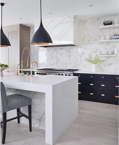 kitchen and marble everywhere