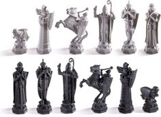 A recreation of the Wizard Chess Set as seen in the movie Harry Potter and the Sorcerer's Stone™. Set includes 32 chess pieces and Harry Potter Chess Set, Harry Potter Wizard, Harry Potter Cosplay, Harry Potter Characters, Fantasy Football Rings, 3d Chess, Chess Sets, Chess Tattoo, Victorian Manor