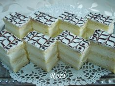 Hungarian Desserts, Hungarian Recipes, Sweet Cookies, Cake Cookies, Eastern European Recipes, Cookie Desserts, Bakery, Cheesecake, Food And Drink
