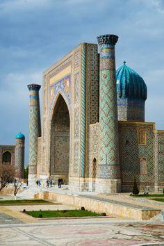 # Ouzbékistan : Sher-dor Madrassah, à Samarkand , les Mille et Une Nuits !