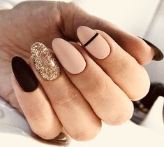 Fall nail art designs are all unique and special, and you are bound to be aware . - Fall nail art designs are all unique and special, and you are bound to be aware of all the versatil - Striped Nail Designs, Fall Nail Art Designs, Striped Nails, Round Nail Designs, Nail Designs Easy Diy, Popular Nail Designs, Different Nail Designs, Pretty Nail Designs, Nagellack Design