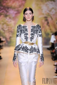 Zuhair Murad Spring-summer 2014 - Couture - http://en.flip-zone.com:8080/fashion/couture-1/fashion-houses/zuhair-murad-4460 - ©PixelFormula