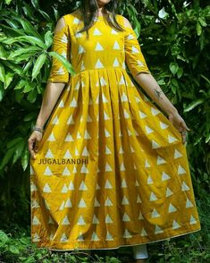 Shop this new mustard color triangle print cotton kurti at only! Just visit at our store and explore more dresses with different pattern and color at the same price. Frock Style Kurti, Printed Kurti Designs, Triangle Print, Designs For Dresses, Frock Design, Saree Dress, Indian Designer Wear, Cotton Dresses, Printed Cotton