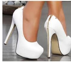 Trendy High Heels For Ladies : Pretty shoes! Dream Shoes, Crazy Shoes, Me Too Shoes, Pretty Shoes, Beautiful Shoes, Hot Shoes, Shoes Heels, Heeled Boots, Shoe Boots
