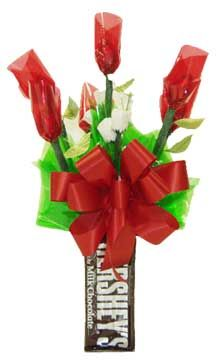 hershey's kiss rose buds | Dozen Hershey's kisses rosebuds, each rosebud is filled with 2 Hershey ...