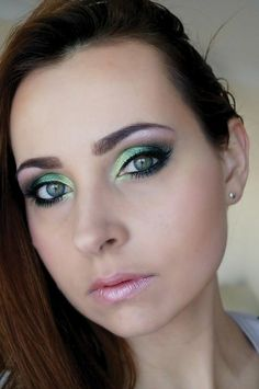Inspiration on Sleek Garden of Eden - Makeup day by Make Up Make Up. Makeup Eyeshadow, Eyeshadows, Makeup Looks, Makeup Stuff, Sleek Makeup, Makeup For Green Eyes, Make Me Up, War Paint, Everyday Makeup