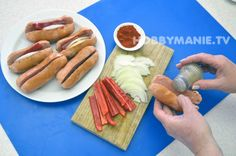 Nejoblíbenější kompot? Utopenci! Máme recept na ty nejlepší – Hobbymanie.tv Hot Dog Buns, Hot Dogs, Bread, Tv, Ethnic Recipes, Food, Eten, Bakeries, Meals